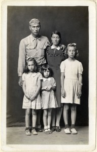 Louie and Alma Ramer with their daughters Lucille Avonell and Faye 1945 C Mike Disfarmer courtesy of the Edwynn Houk Gallery New York